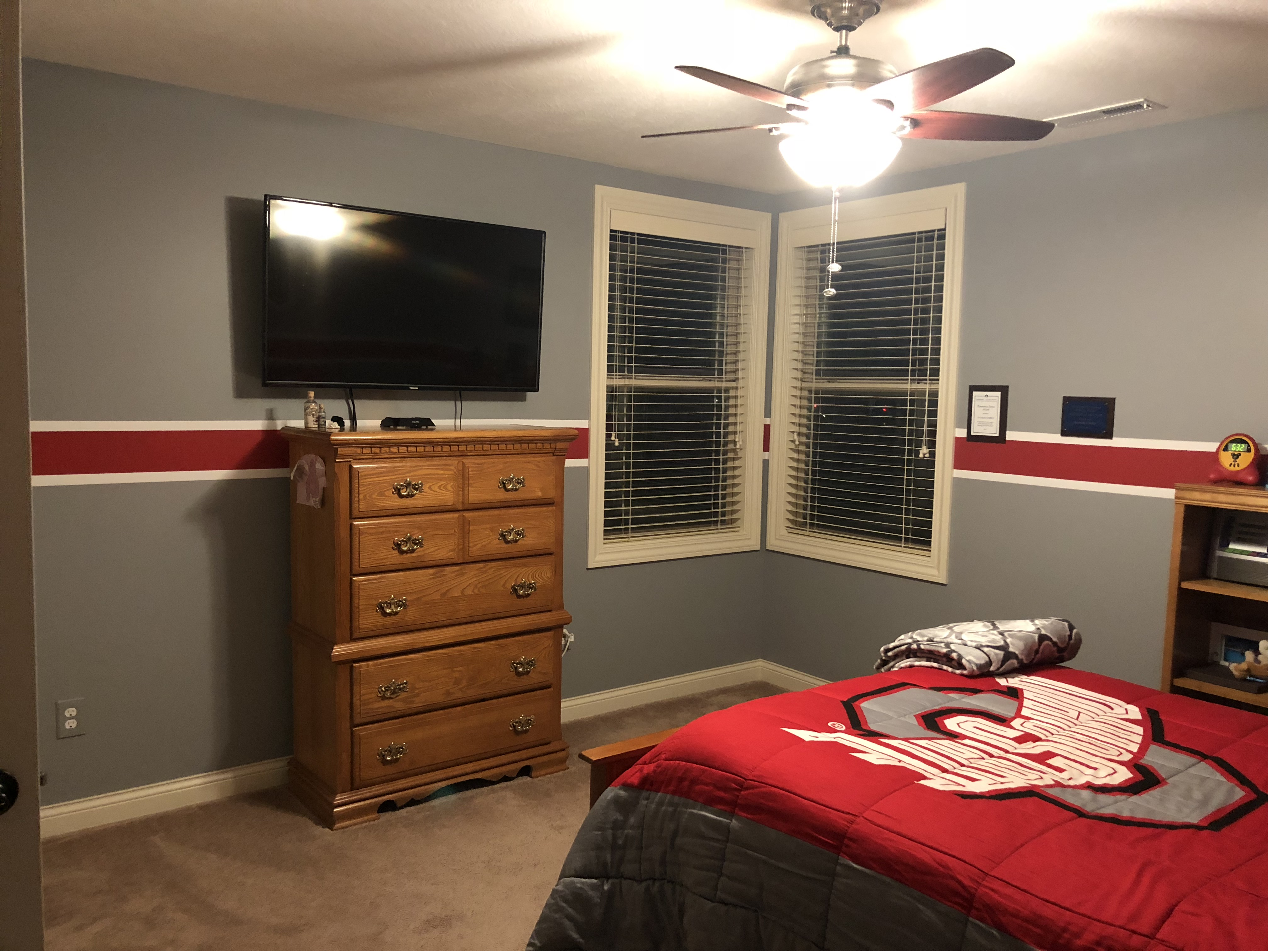 Anthonyc 39 s bedroom redesign discoverdesign for Redesign my bedroom